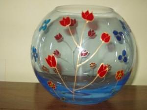 Comment peindre sur du verre mat riels et techniques - Place du verre a eau sur une table ...